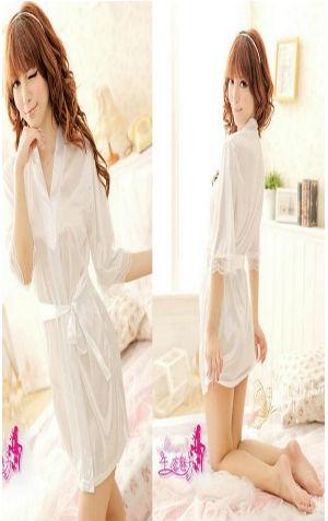 Kimono FG236 White Rp 90.000,- bahan silky, include kimono, g string, belt
